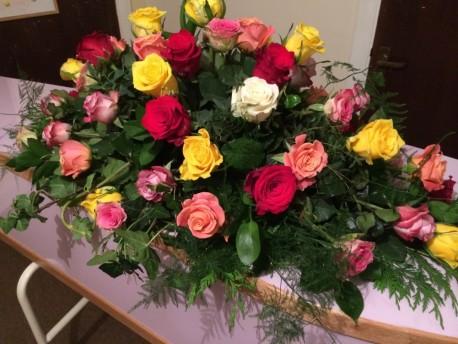 Mixed Rose Coffin Spray S008