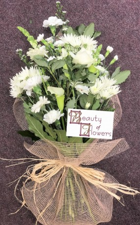 Mixed White Cut Flower Sheaf
